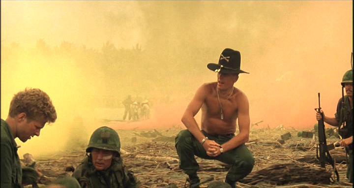 https://www.film.ru/sites/default/files/movies/frames/apocalypse-now-09.jpg