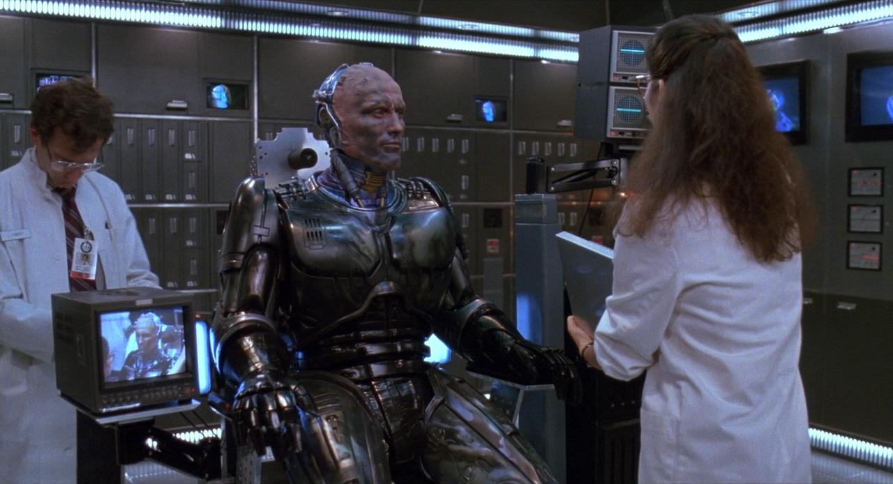 Сценарист «Робокопа» создаст сериал-приквел о корпорации, которая создала полицейского робота