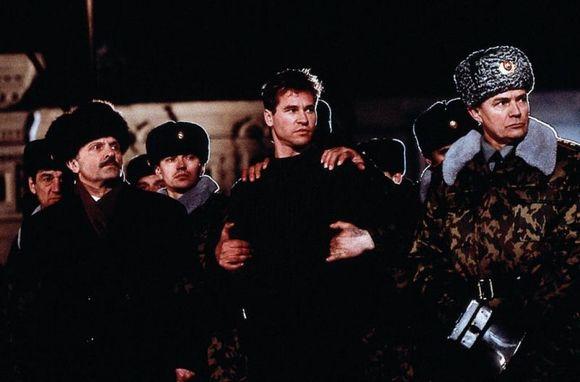 Святой 1997 Скачать Торрент - фото 7