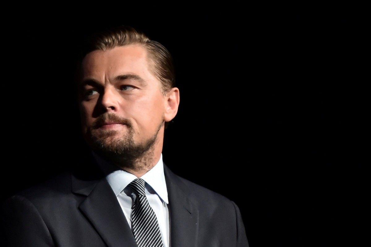 Леонардо ДиКаприо разыграл Джону Хилла