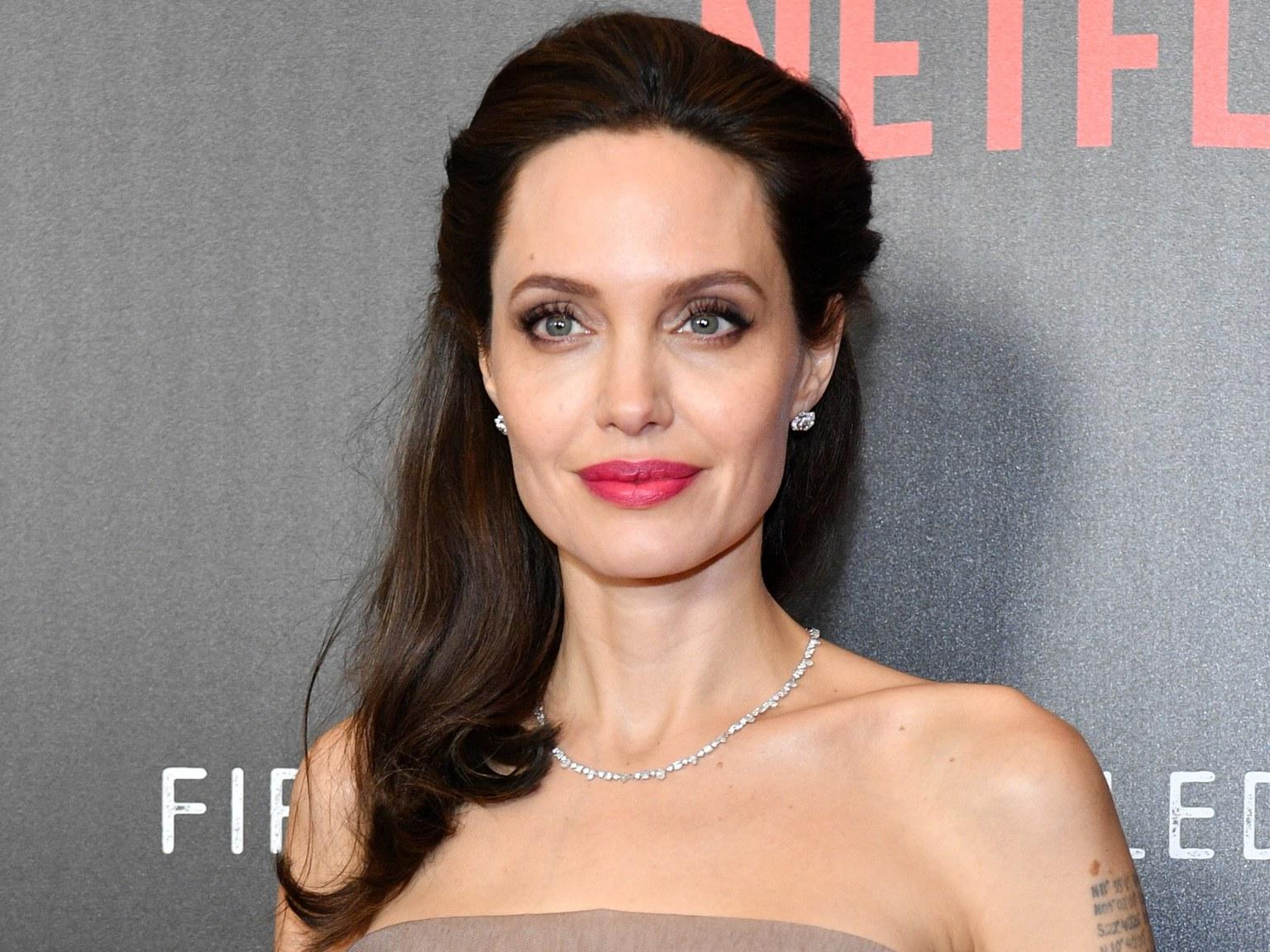 Анджелина Джоли и Кумэйл Нанджиани сыграют в «Вечных» от Marvel
