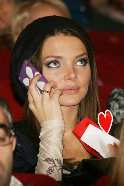 Сексуальные формы красотки Елизавета Боярская. Бесплатные фотки и видео