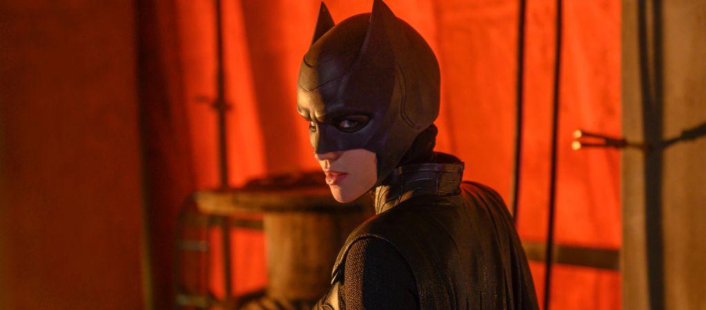 «Я не позволю мужчине присвоить себе заслуги женщины!»: Рецензия на сериал «Бэтвумен»