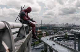 Герой в отрыве. Почему хорошо, что права на экранизацию «Дэдпула» принадлежат студии Fox, а не Marvel и Walt Disney (Борис Иванов, Film.ru)