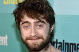 Face with a scar. As Daniel Radcliffe tries to get rid of the stigma of Harry Potter (Maxim Bugulov, Film.ru)