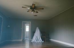 Мимо кассы: «История призрака». Рецензия на фильм «История призрака» (Борис Иванов, Film.ru)