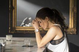 Девушка-скандал. Заслуживает ли героизации Молли Блум, реальная героиня новой криминальной драмы «Большая игра»? (Борис Иванов, Film.ru)