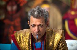Jeff Goldblum is pretty fly, for a white guy. Почему мы любим Джеффа Голдблюма – самого харизматичного и стильного актера? (Алихан Исрапилов, Film.ru)