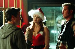 Christmas combo: 7 holiday movies with toast and alcohol to choose from