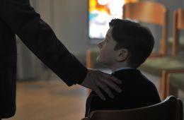 Здесь бога нет. Здесь бога нет: рецензия на фильм «По воле божьей» (Ефим Гугнин, Film.ru)