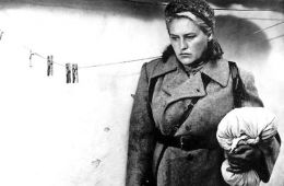 10 movies about women in war