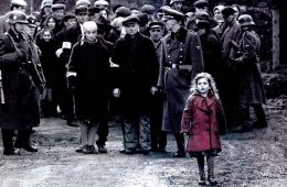 Whoever saves one life, saves the world entire. Любимое кино. Список Шиндлера (Борис Иванов, Film.ru)