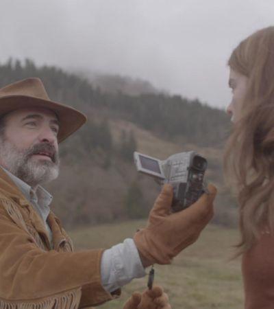 Куртка-убийца и друг ее абсурд: Рецензия на фильм: «Оленья кожа»