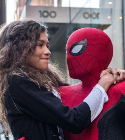 Что смотреть в кино на выходных: Человек-Паук спасает Европу, южнокрейские «Паразиты» и «Зеркало» Тарковского