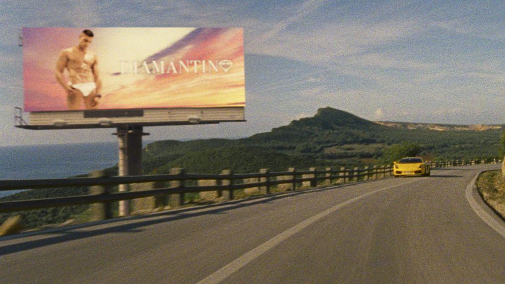 Обезображен, обесславлен футбола толстокожий Бог: Рецензия на фильм «Диамантино»