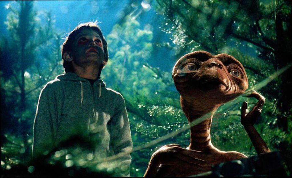 Инопланетяне уже прилетали на Землю - американский физик / НВ | 623x1024