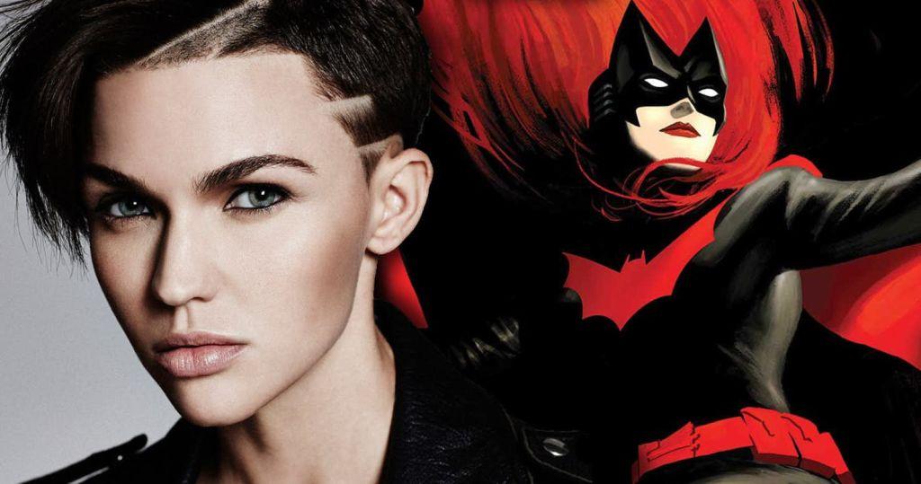 Первый взгляд на Руби Роуз в костюме Бэтвумен
