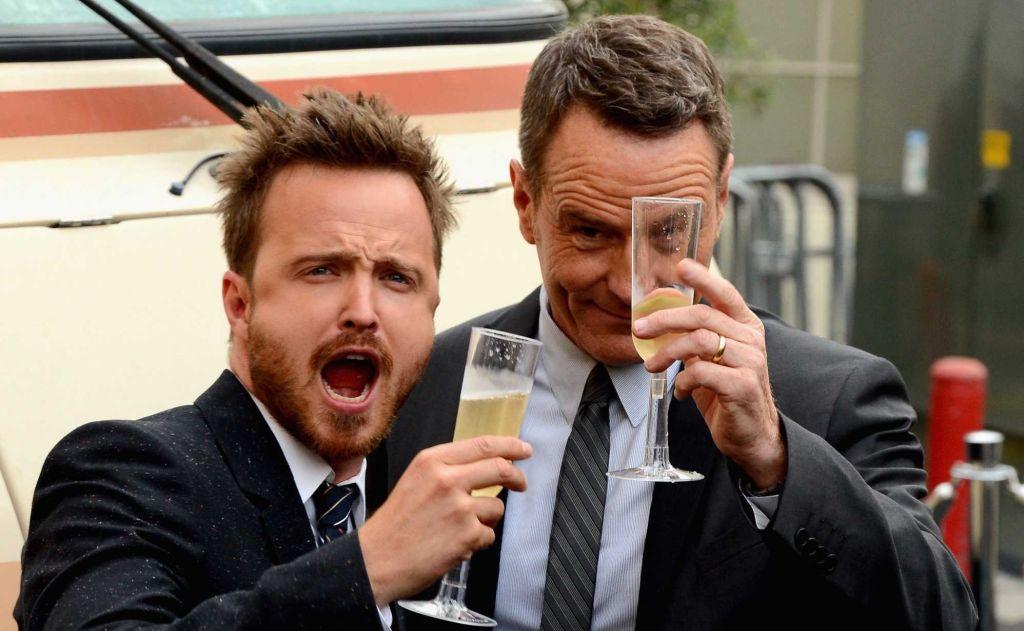 Два товарища:Брайан Крэнстон и Аарон Пол запустили свою марку алкоголя