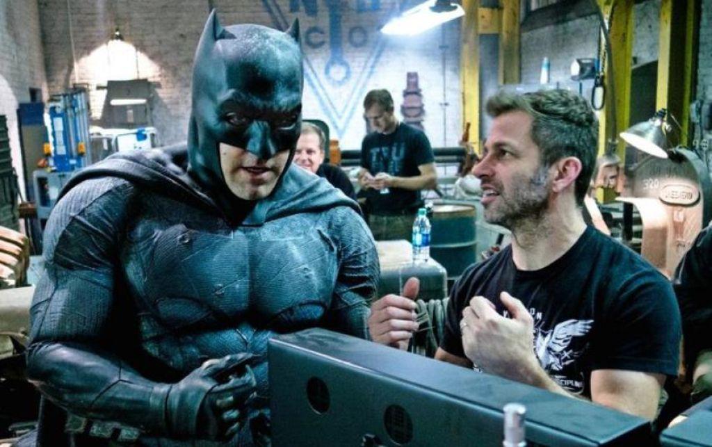 Фанатка просит назначить Снайдера режиссером нового «Бэтмена»