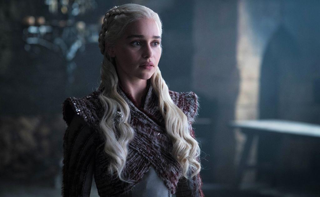 Эмилия Кларк рассказала, как после «Игры престолов» ее пытались раздеть на съемках