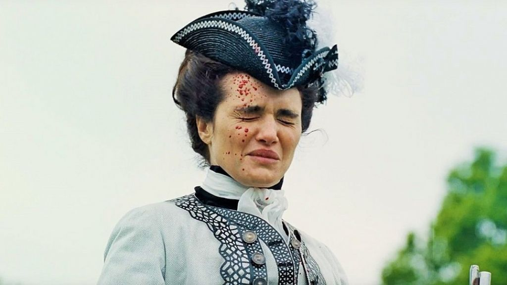 Рэйчел Вайс стреляет в Эмму Стоун: отрывок из «Фаворитки»