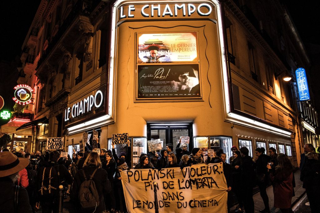 Активистки сорвали премьеру фильма Романа Полански из-за обвинений в изнасиловании