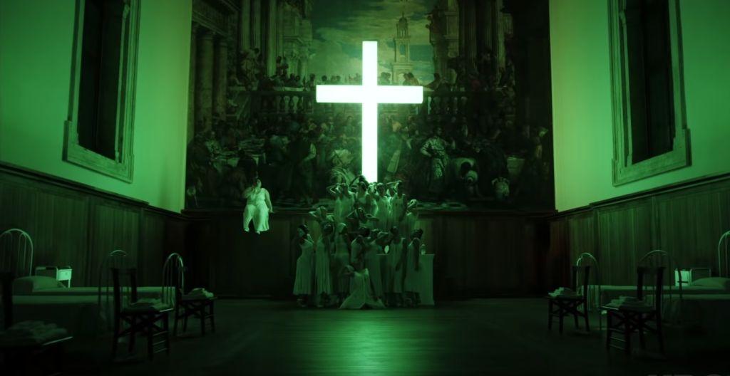 Патриархат Венеции оскорбился заставкой «Нового Папы»