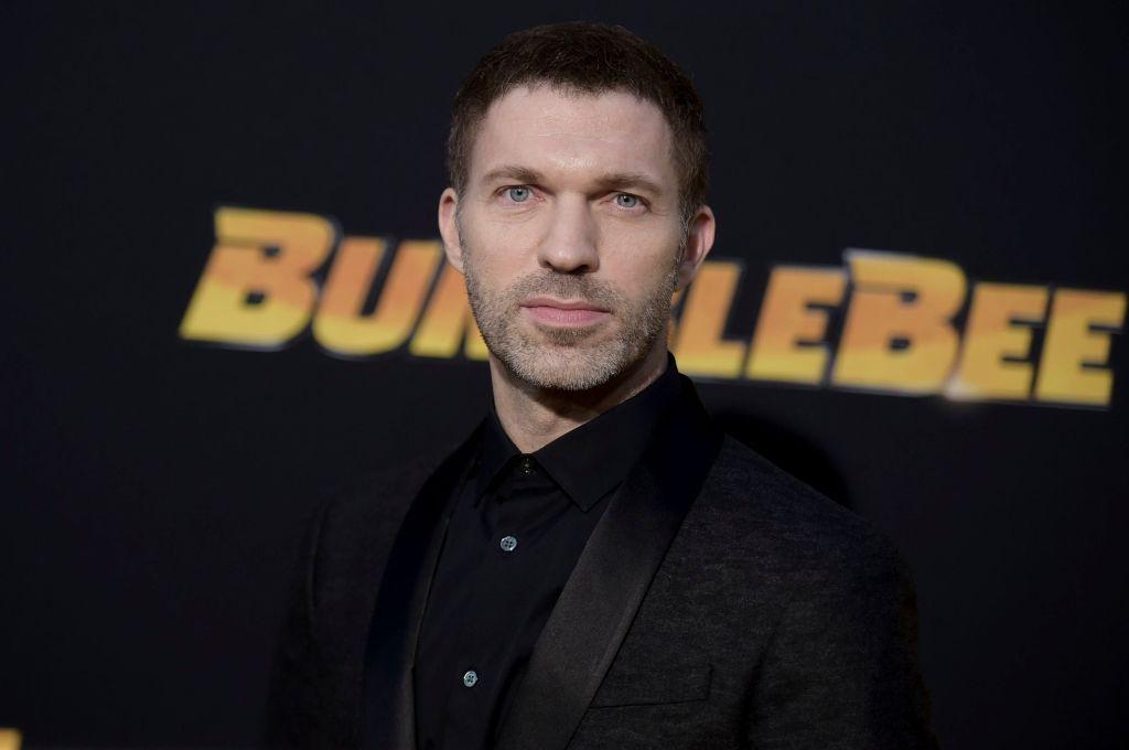 Режиссёр «Бамблби» спасёт «Человека на шесть миллиардов»