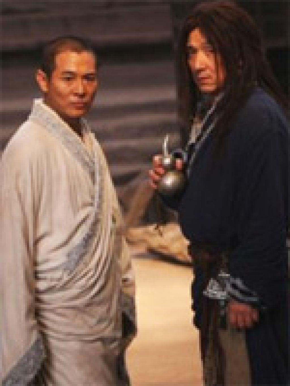 Джеки Чан и Джет Ли на конференции, посвященной их первому совместному фильму, признались, что планируют в ближайшее время снова сняться вместе