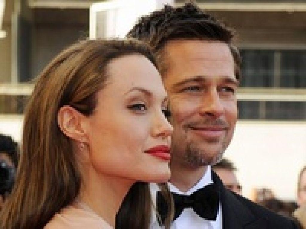 Газета Sun утверждает, будто бы Брэд Питт и Анджелина Джоли решили расстаться