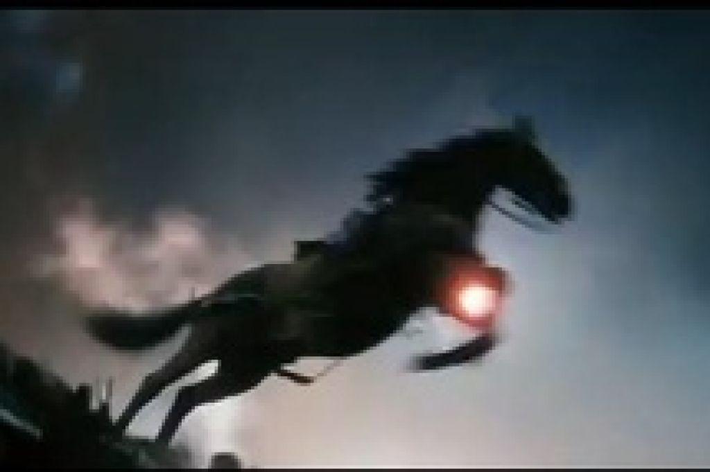 Конь есть, мальчик есть, война тоже есть, но все это пока смотрится, как сказал бы Борат Сагдиев,