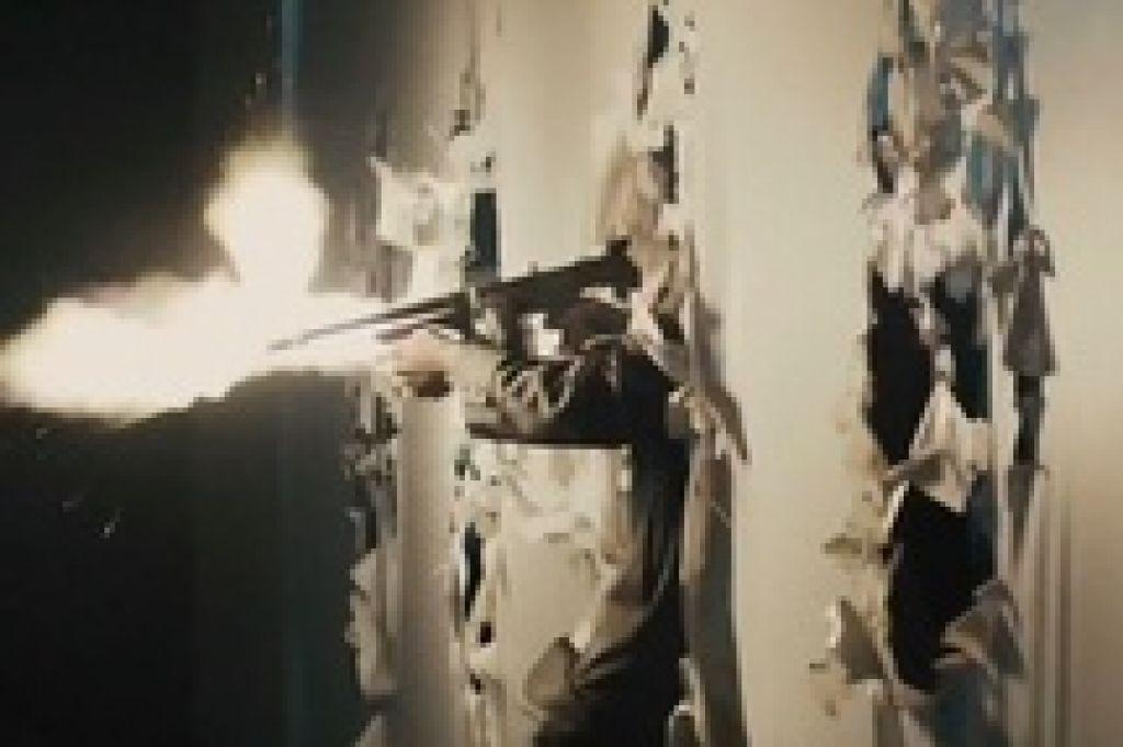 Трагедия в одном из кинотеатров пригорода Денвера вынудила Warner Bros. снять трейлер