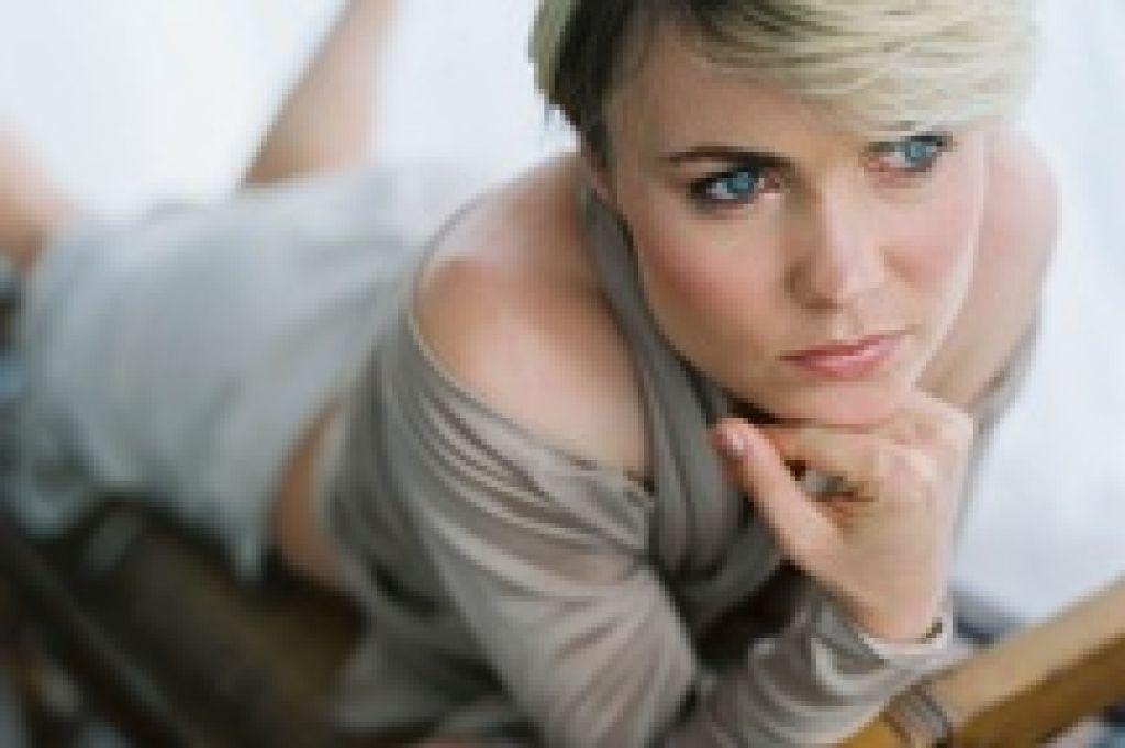 Актриса получила роль жены агента секретной службы, который героически спасает Белый дом от террористов
