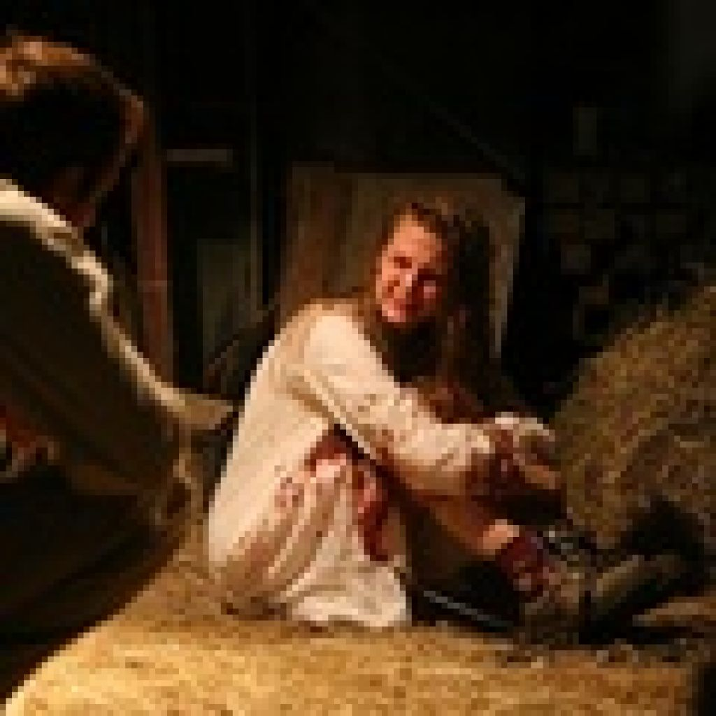 Демон, одолевавший фермерскую дочку Нелл Свитцер в первой ленте, никуда не исчез и намерен как следует пошалить