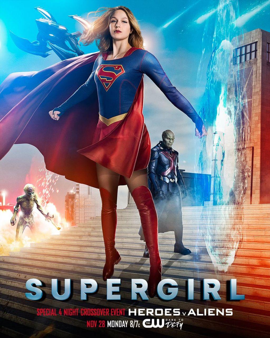 Постеры кроссовера сериалов The CW и DC