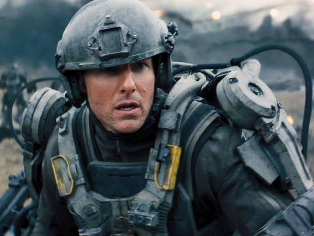А так же Карелл-синоптик, Круз-солдат и дождь из парашютистов