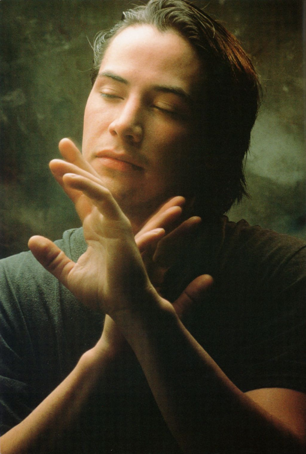 Первые кадры из драмы «Дочь Бога» с участием Киану Ривза…