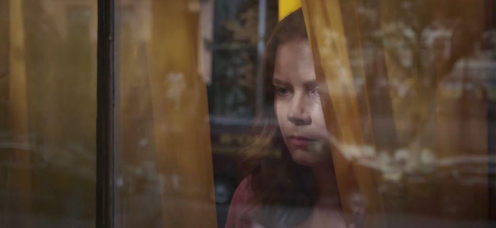 Вышел первый трейлер триллера «Женщина в окне» с Эми Адамс