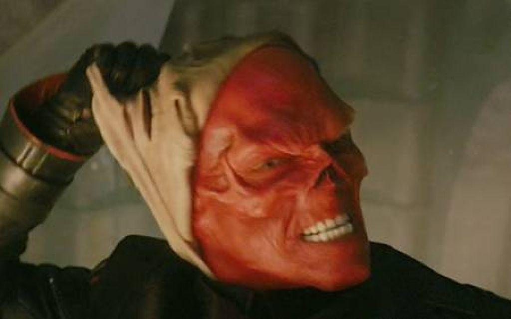 Хьюго Уивинг не в курсе, предложат ли ему роль в триквеле «Первого мстителя»