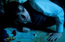 В темной-темной комнате.... Обзор иностранной прессы (Владислав Копысов, Film.ru)
