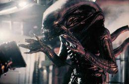 10 фильмов об инопланетных паразитах