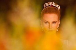 Николь Кидман на троне и дома. На съемках фильма «Принцесса Монако» (Олли Ричардс, Empire)
