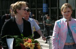 Photo-report: MIFF-2004: Meryl Streep in Sheremetyevo-2