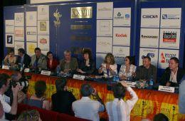 Фоторепортаж: Пресс-конференции Большого жюри XXVIII ММКФ и Чена Кайге