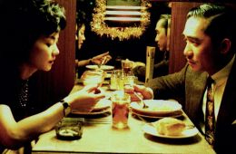 Фоторепортаж: Ночные кафе Вонга Кар-Вая