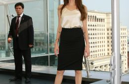 Фоторепортаж: Анджелина Джоли в Москве