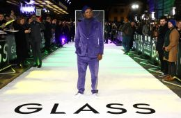 "Photo: Premiere of the comic thriller ""Glass"" in London"