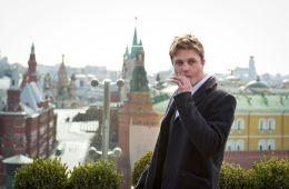 Фоторепортаж: Майкл Питт представил в Москве «Гангста Love»