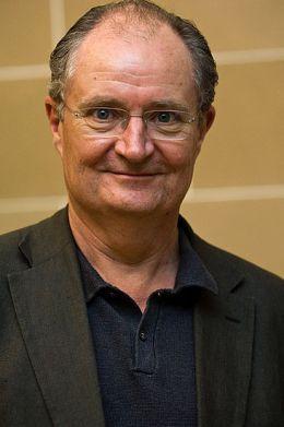 Джим Бродбент