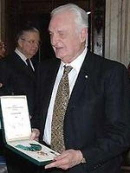 Никола Бадалуччо